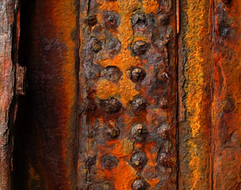 photo by Eoin Mac Lochlainn of rust on the Plassy wreck